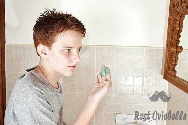 teen boy using styling gel - hair gel for boys s and pictures best hair gel for boys