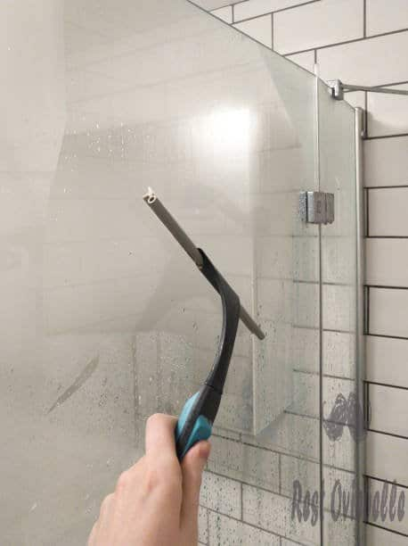 Things To Consider When Buying the Best Shower Squeegee